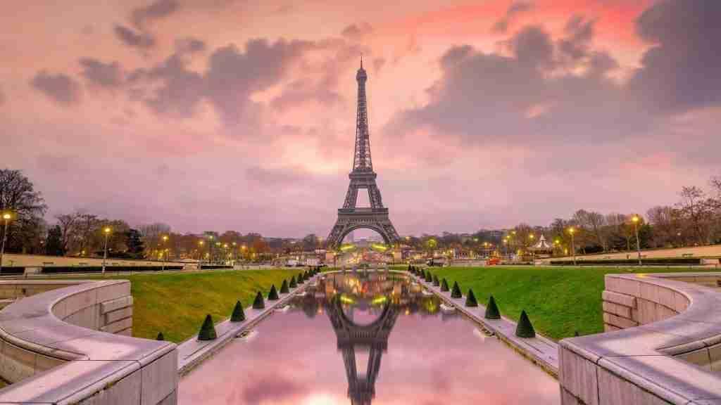 Be a flight attendant Eiffel Tower at sunset