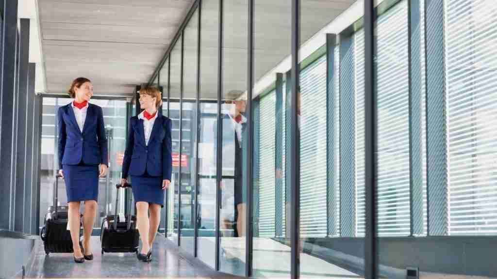 How much money do flight attendants make  seniority